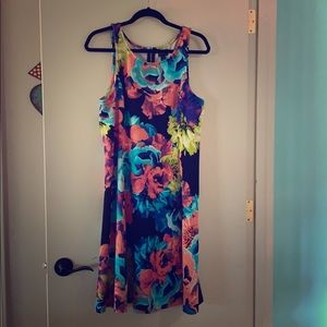 Beautiful floral Spring/Summer dress - size 16
